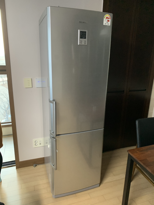 삼성 냉장고 2도어 제품 판매합니다.
