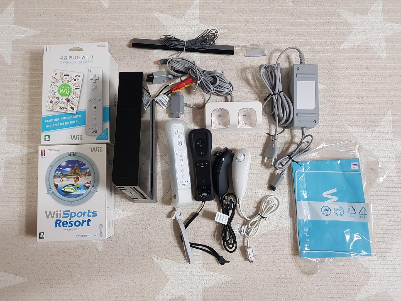 닌텐도 Wii 본체,리모컨,CD등