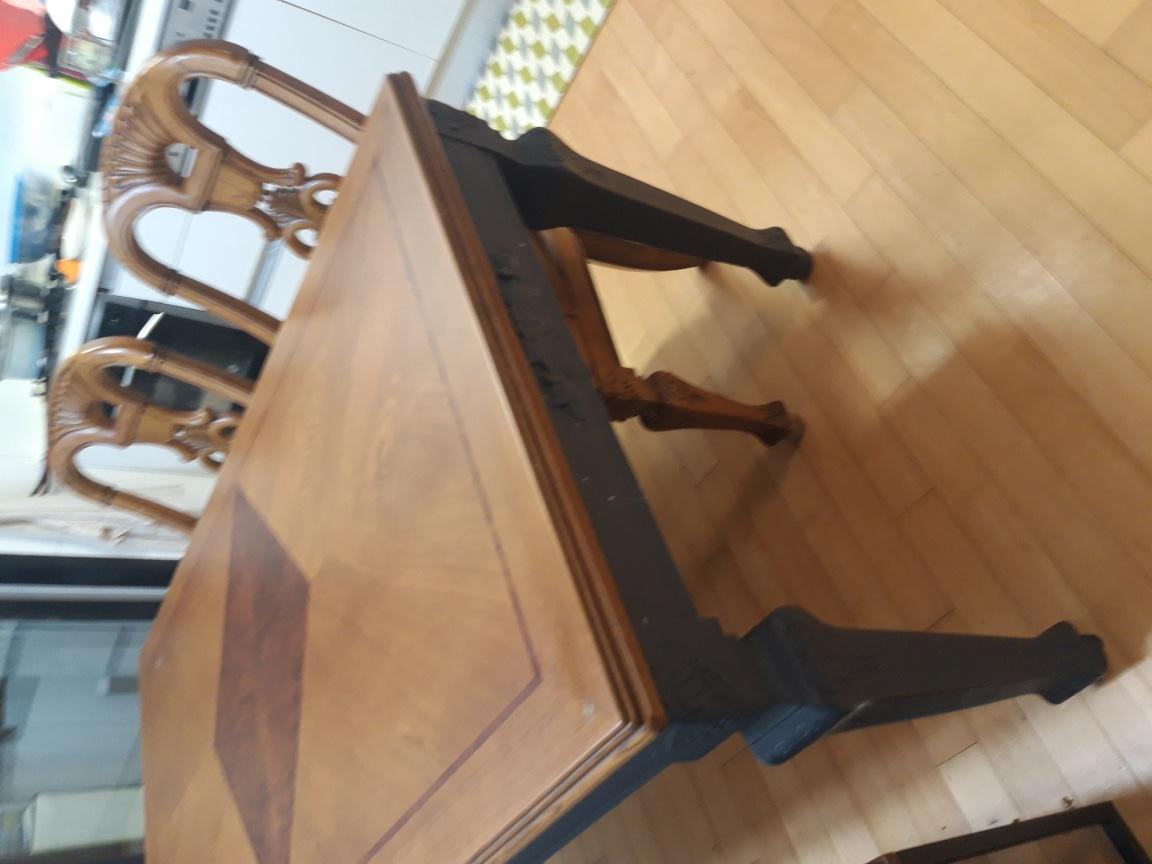 본톤 식탁 + 의자2개