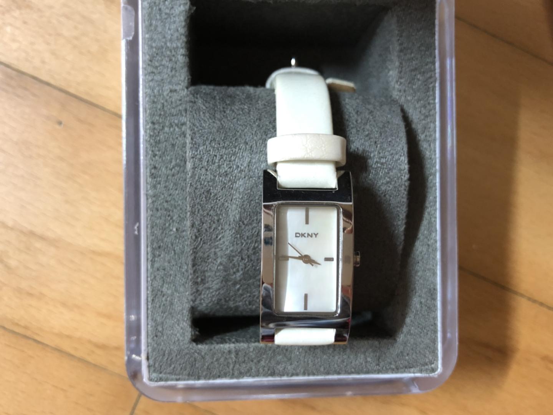 DKNY 여성용 손목시계