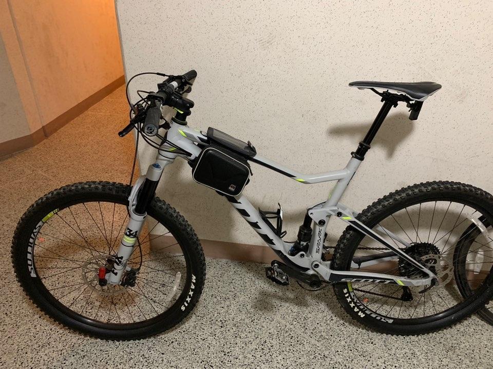 고급자전거판매합니다.완전새자전거입니다.