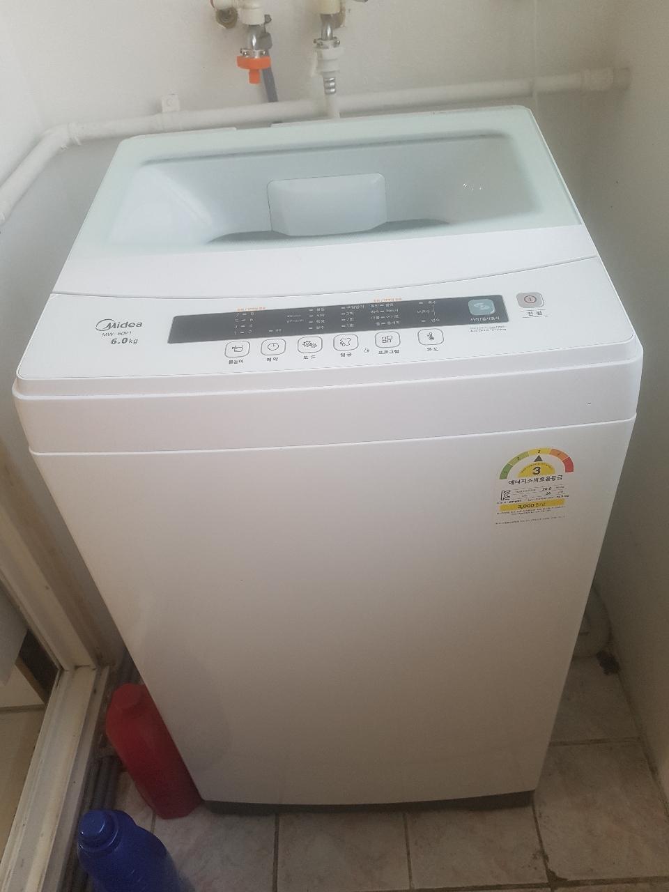 2년미만 상품 빨래 세탁  미디어 세탁기 6kg짜리 팝니다.