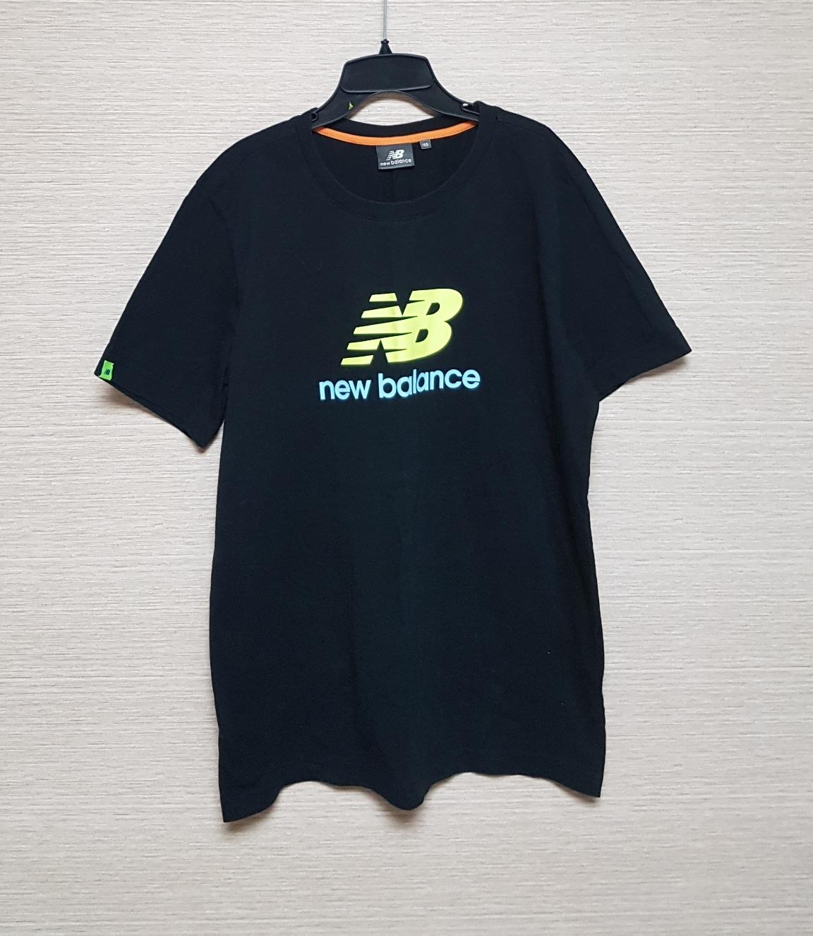 뉴발란스 티셔츠