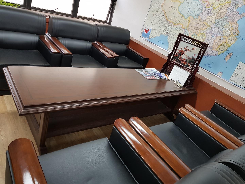 사무실 정리가구올립니다.책상,의자,쇼파