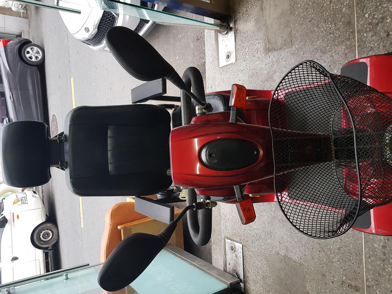 전동 휠 체어  (4륜 스쿠터) 구입150만
