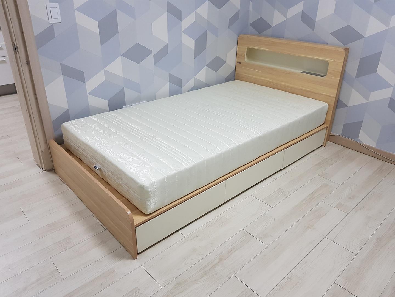 ss싱글 침대 판매 합니다