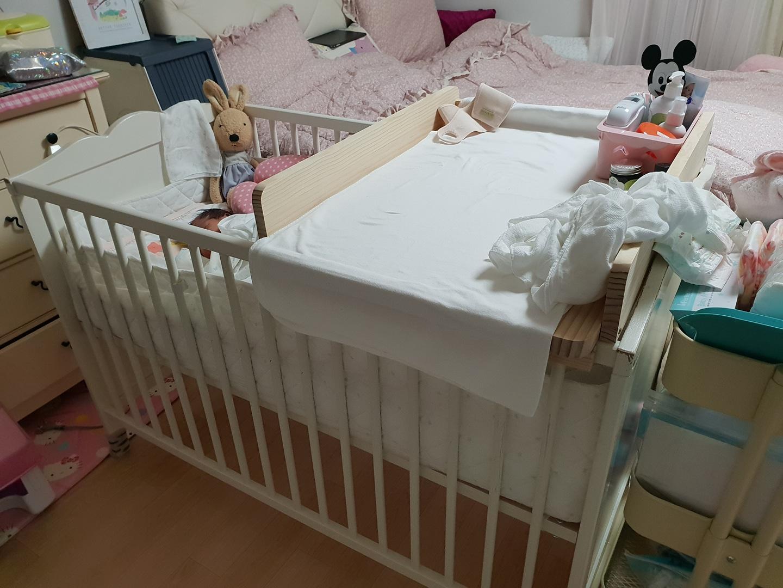 무료나눔 아기침대+기저귀교환대 편하게 쓰실분