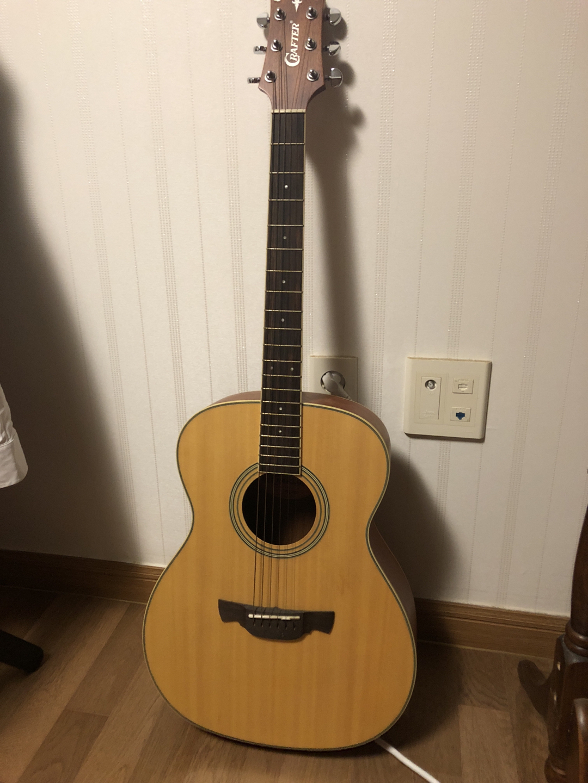 한달정도 사용한 기타팝니다 !!