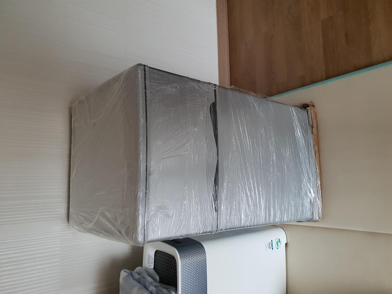 미니 냉장고 새 제품 판매합니다^^~