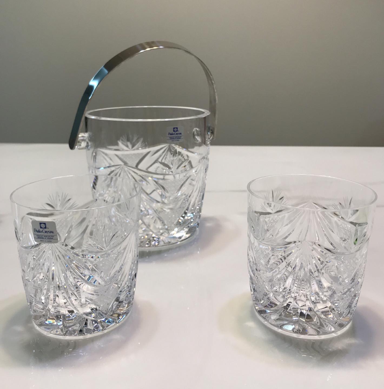 Parka Crystal Whisky Glasses(2), Ice Bucket.