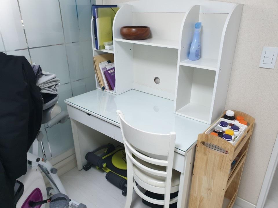 책상의자세트(책상위유리포함)