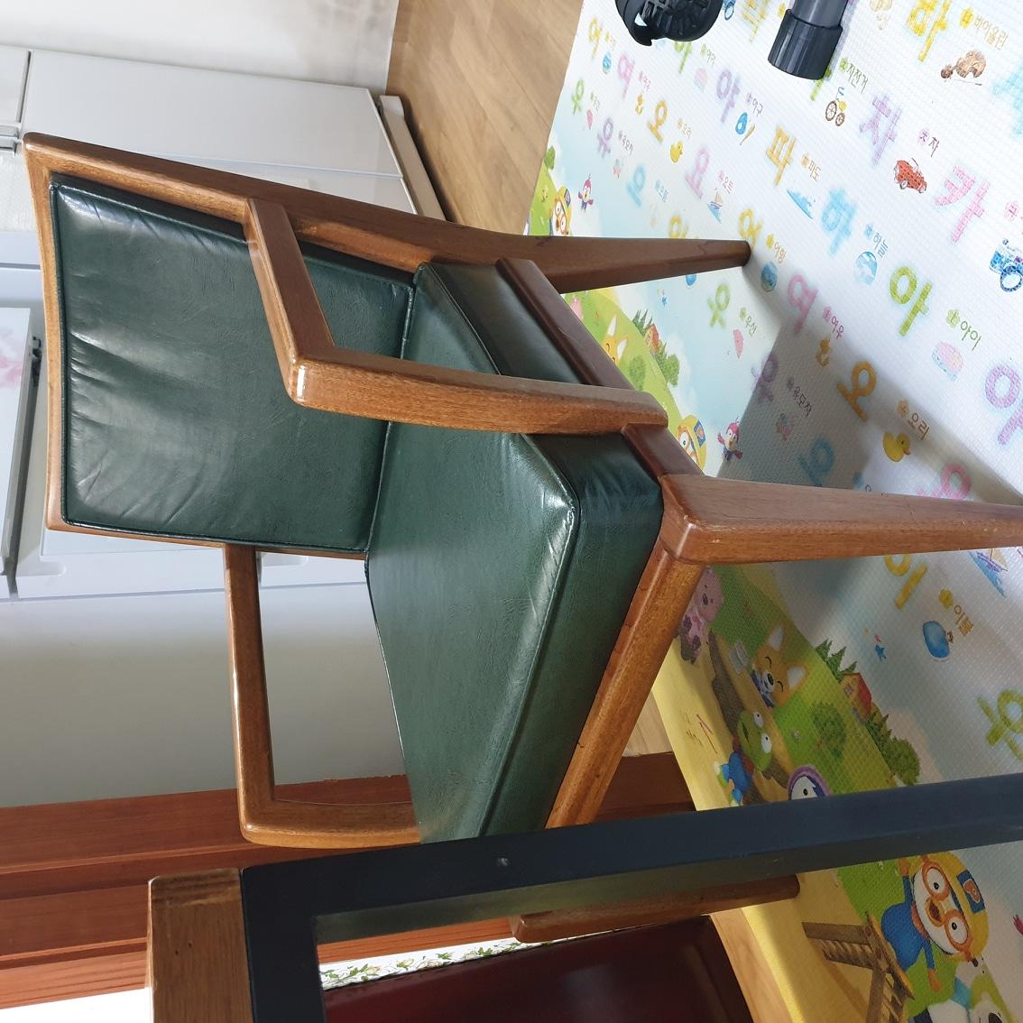 안락의자 가죽원목 카페의자 원목의자