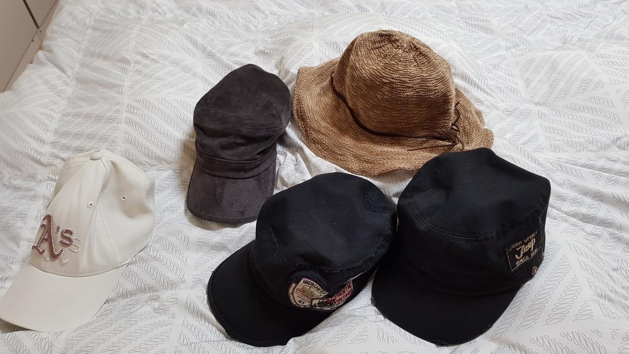 모자입니다