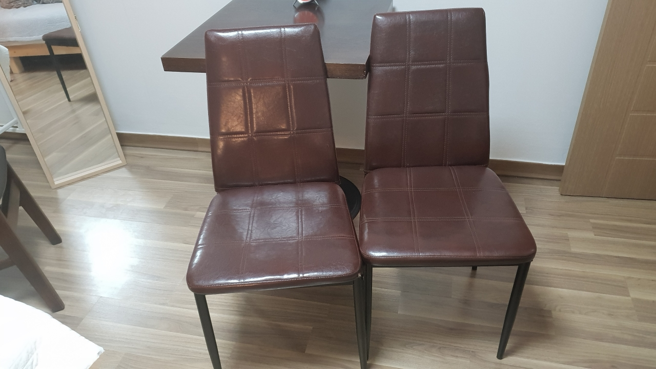 브라운의자 하나가격에 두개드림