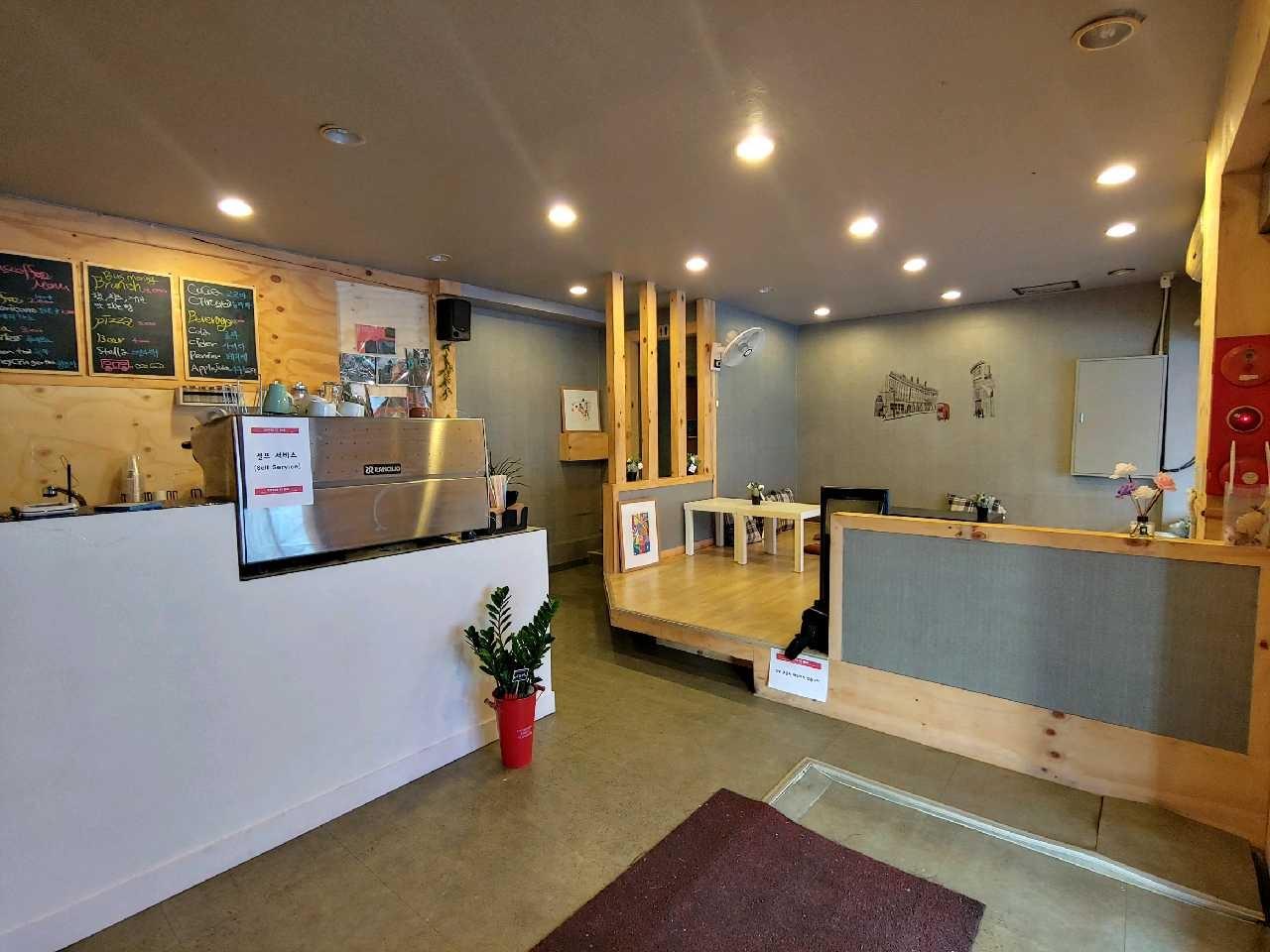 카페물품정리)정수기,제빙기, 카운터,온풍기,안내데스크(흰색),영업용냉장고