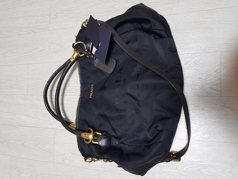 프라다 가방 정품