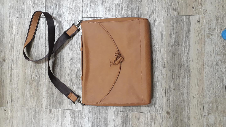 노트북 +서류가방 ₩15,000