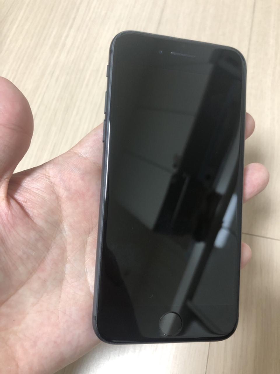 아이폰8 64G 블랙 정상해지폰 A급 판매합니다
