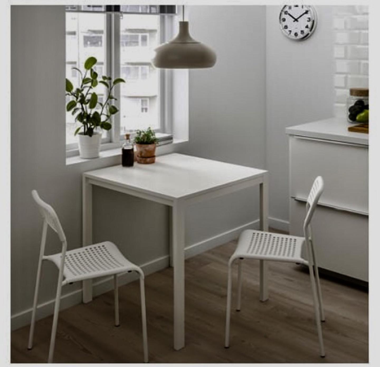 (이케아)테이블, 의자2개, 의자패드1개