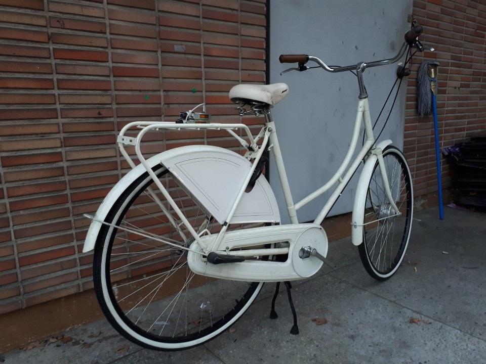 일본 오리지날  클래식  자전거예요..