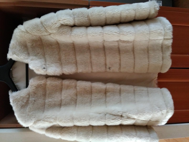 아이보리색 인조털 쟈켓