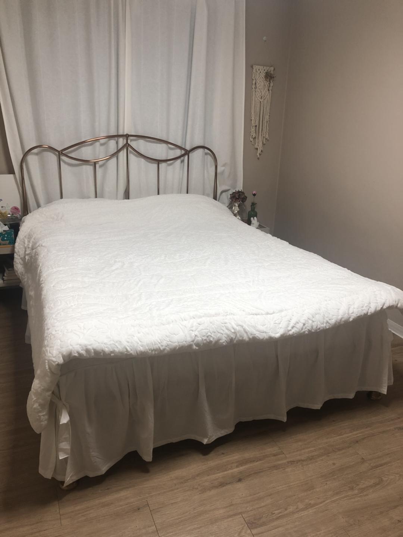 퀸사이즈 침대+매트리스 두 가지 종류! 완전새거에요