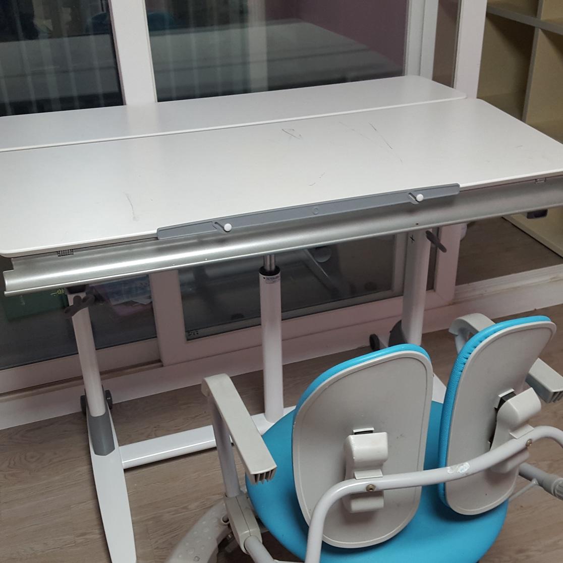 책상 의자 나눕니다