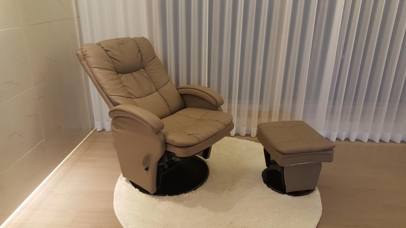 끌올.가격조정.티비보기 딱 좋은 리클라이너. 수유의자.