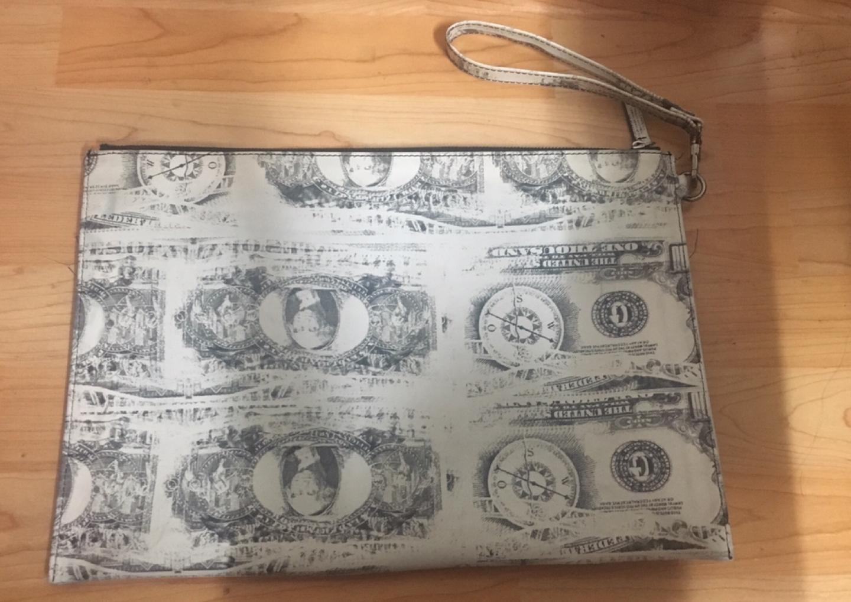 톰보이 클러치 가방 팔아요.