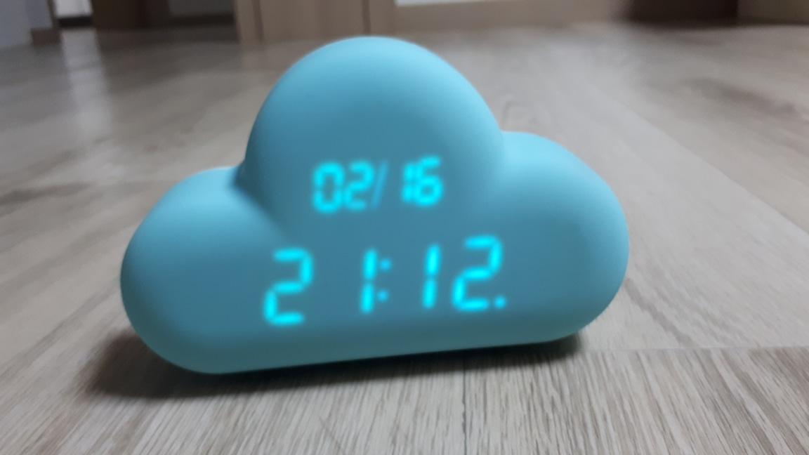 구름탁상시계