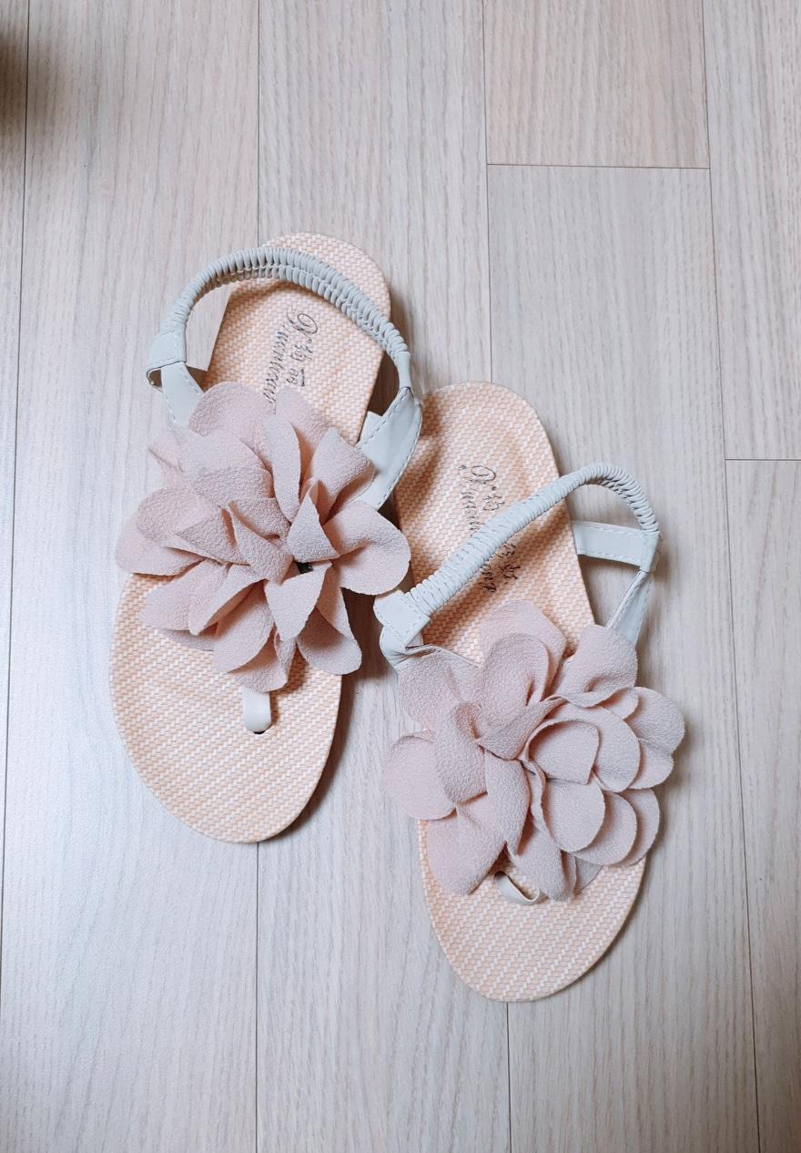 여름 꽃 샌달  사이즈(235)