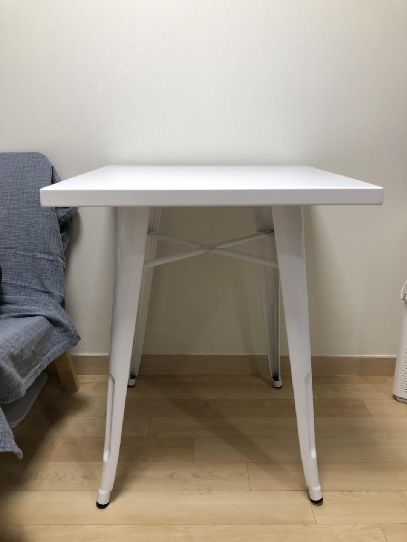 마켓비 테이블, 이케아 의자