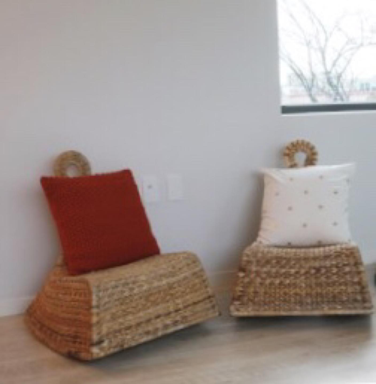 이케아 라탄 의자 2개