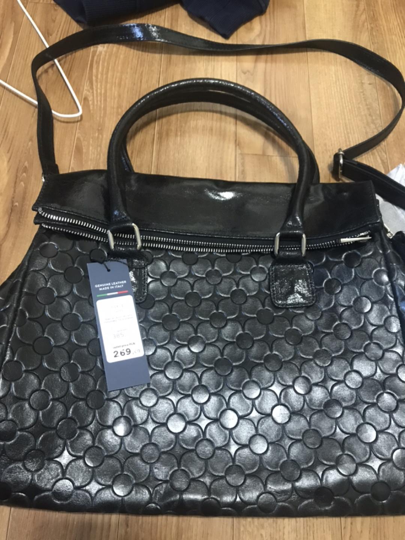 폴란드에서 구입한 가방 팩 입니다 여성용