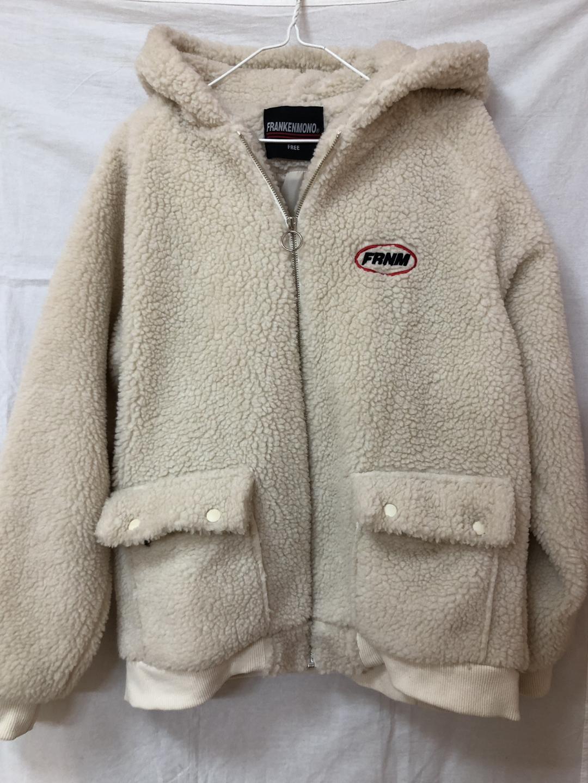 프랑켄모노 자수로고 양털자켓