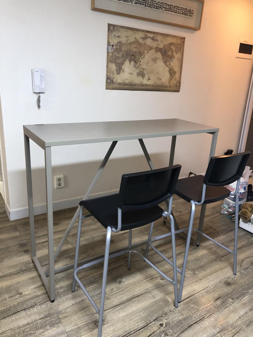 두닷 테이블 + 의자2개 팝니다