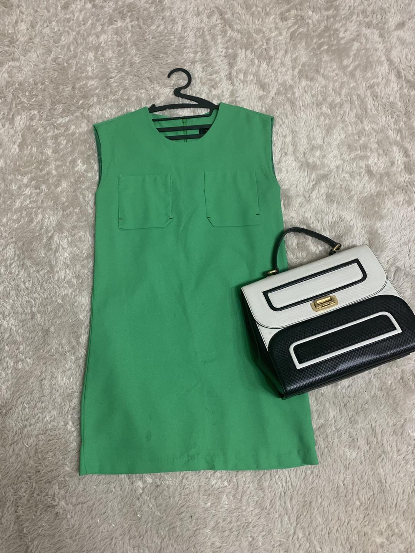초록색 쨍한 여름원피스