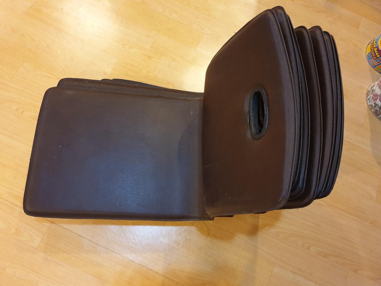 좌식의자 / 고급레자 등받이 방석 의자  (식당의자)