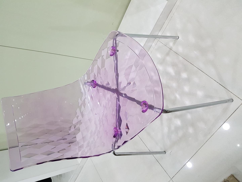 플라스틱 x 스틸 의자
