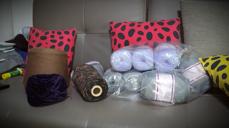 뜨개질 털실 편물털실 색깔별 종류별 많아요