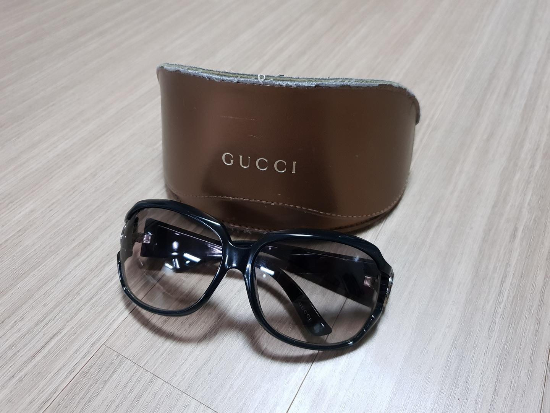 구찌 선글라스 GG3043 팔아요
