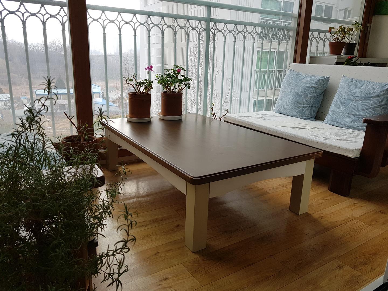 튼튼한 테이블 들이세요^^