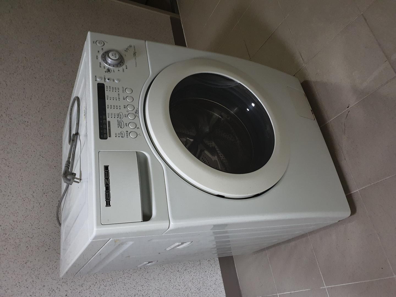 드럼세탁기 10 kg 드림합니다.