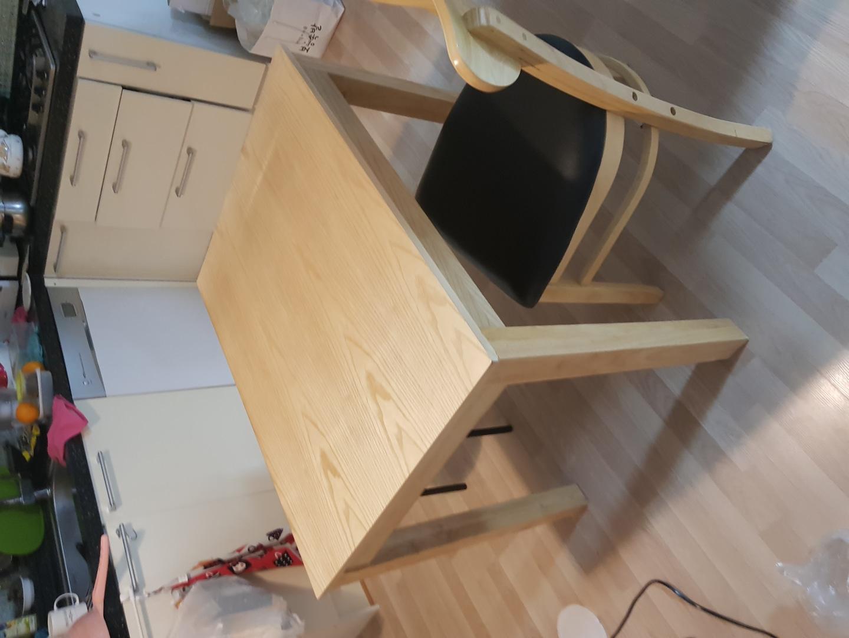 2인용 식탁 +의자 2개