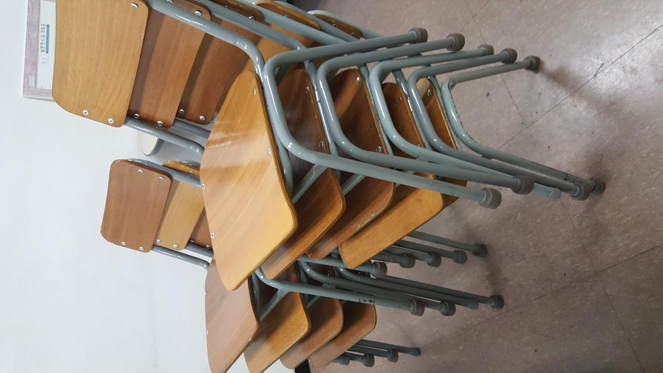 의자 6개 나눔합니다