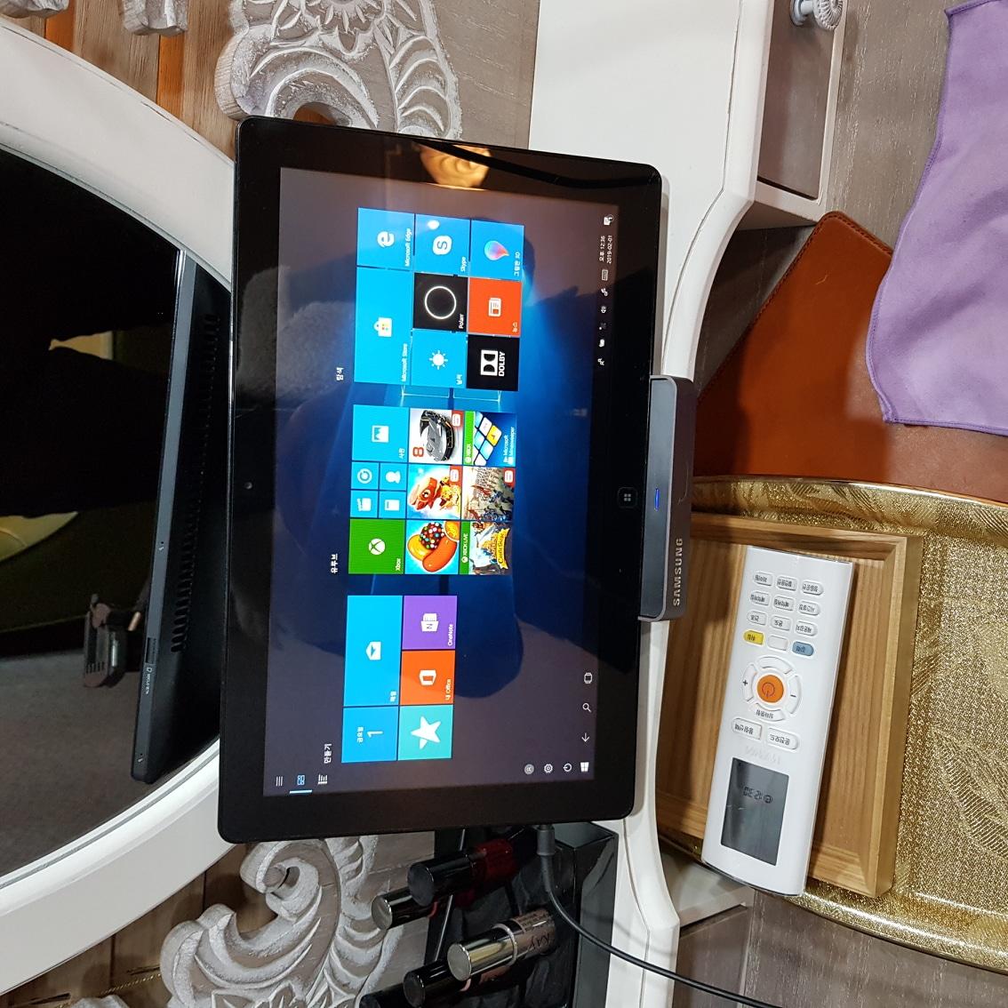 (삼성노트북) 노트북과 테블릿을 동시에 사용가능한 노트북