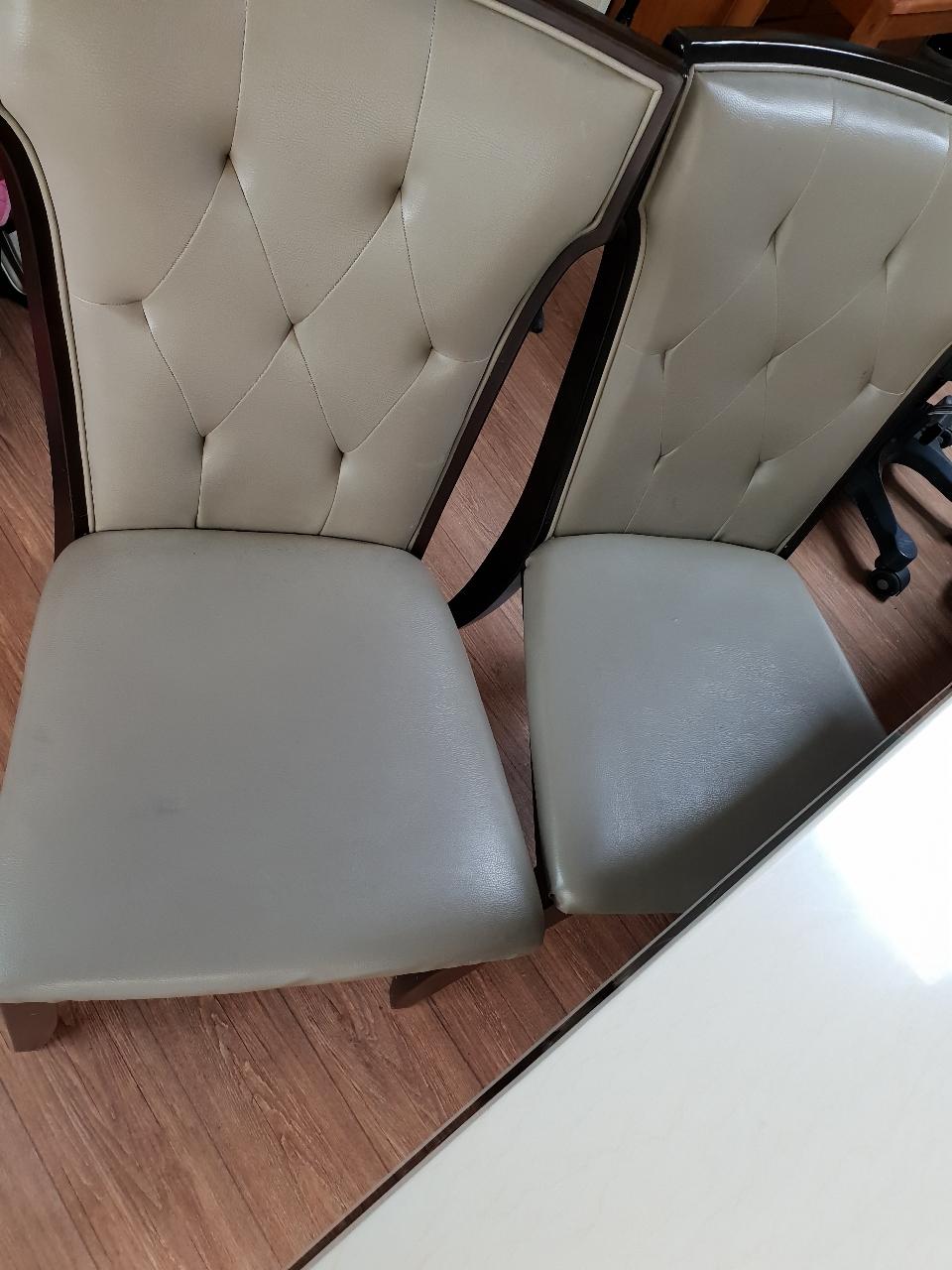 4인식탁+의자 2개