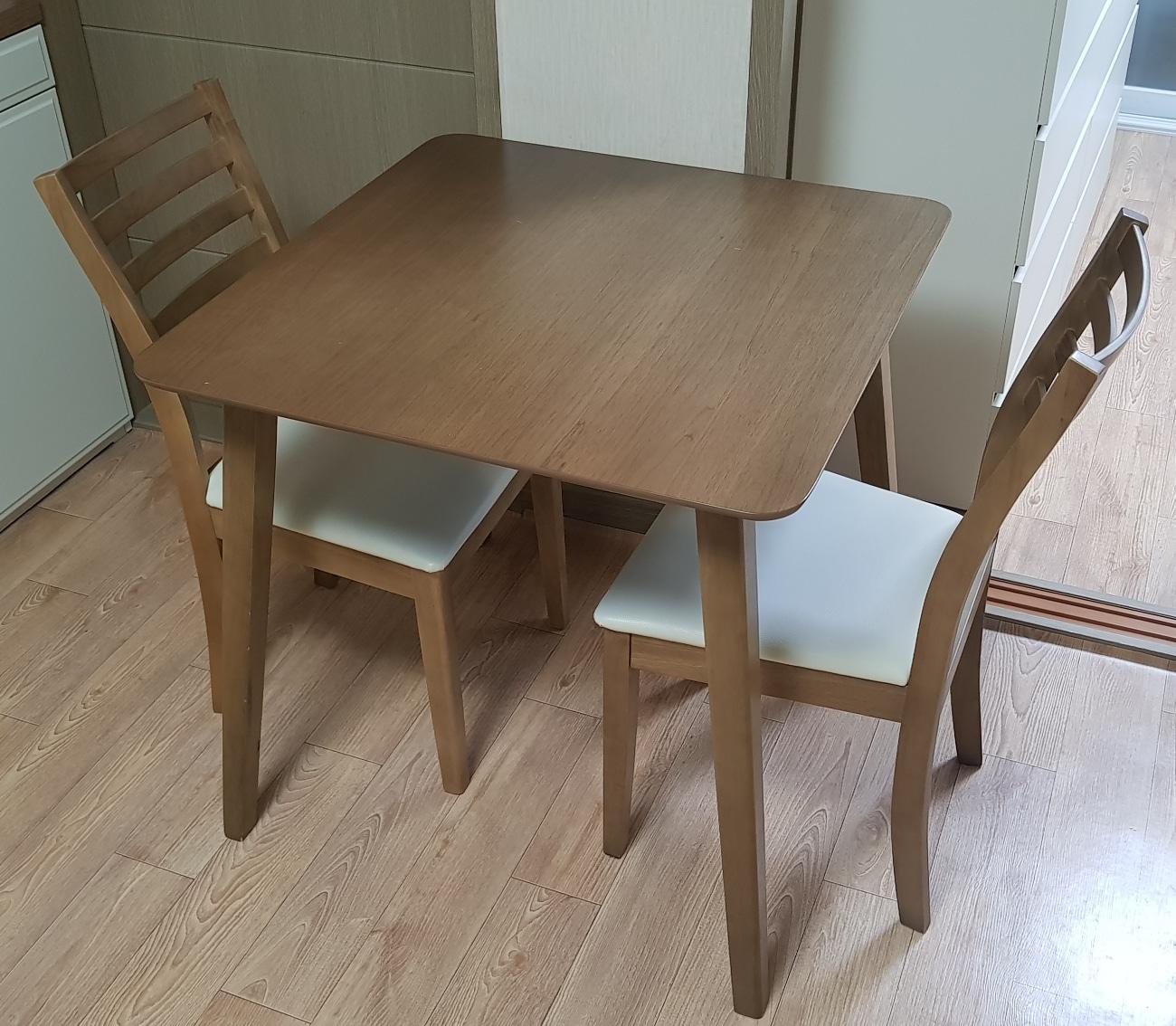 2인용 식탁,의자 세트 팝니다
