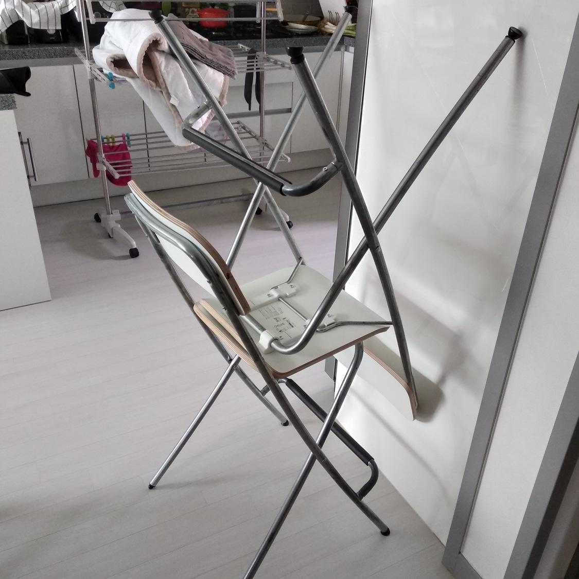 무료나눔 이케아 바의자 입니다.