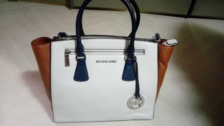 정품 마이클코어스 새가방
